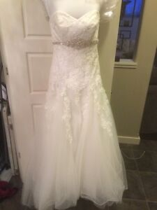 Fit & Flare/A-line Wedding Dress - Petite size 0-2 - Ivory