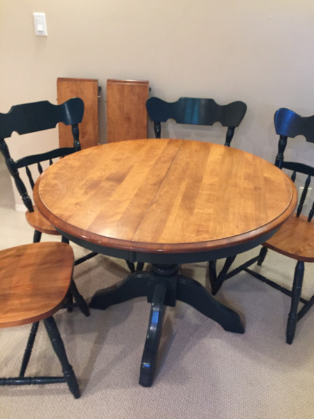 Solid Maple, round Dining Table   Dining Tables & Sets ...
