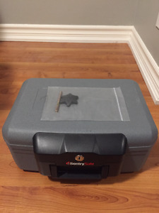SENTRY SAFE FIRE CHEST
