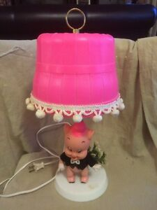 Vintage lamp with mint Dakin Porky Pig doll $35