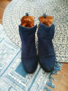 Jeffrey Campbell Vanina Blue Suede Booties/Bottes