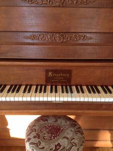 Piano excellent condition