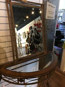Decorative table & mirror