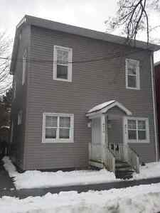 4 Bedroom Walk to Dal All Utilities Included