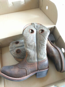 Like New, Lariat Men's Cowboy Boots Size 7.5 EE.  $100.