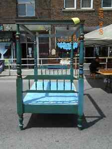 1950's CANOPY BED London Ontario image 2