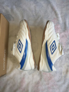 "Umbro Indoor Soccer Shoes ""Porto IC"""