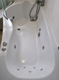 Jacuzzi sps bath with screen