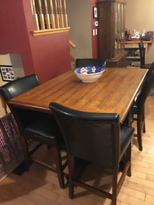 Wooden Dining Island Table for Four with Chairs