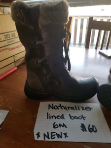 Winter boots NEW size 6