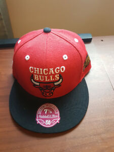 "7 5/8 Fitted Hat ""NEW Chicago Bulls"""