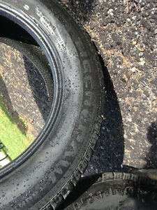 Two- 225/65R17 Uniroyal Tiger Paw All Season Touring Tires Peterborough Peterborough Area image 4