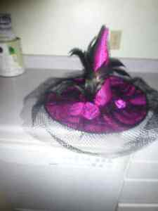 WITCH HAT WITH FEATHERS