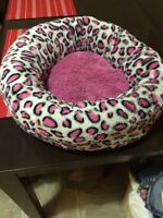 Small dog / cat bed
