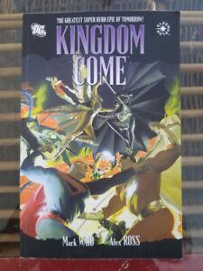 KINGDOM COME - PAPERBACK - DC COMICS / GRAPHIC NOVEL
