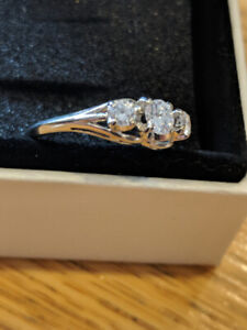 18kt White Gold Lady's cast 3-stone Diamond Ring