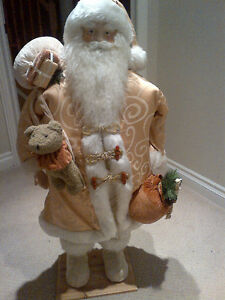 "36"" JOLLY OLD TRADITIONAL CHRISTMAS SANTA CLAUSE ON STAND"