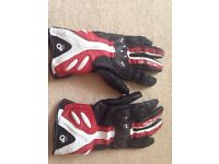 Spyke leather motorbike gloves with carbon