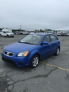2010 Kia Rio drive like new Hatchback