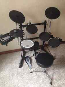 Excellent-Condition, Rolland Electronic TD-3 V-drum Kitchener / Waterloo Kitchener Area image 2