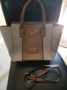 Guess Purse's