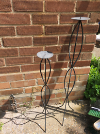 2 boack metal candle holders