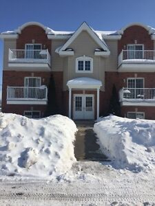 Very clean and spacious 4 1/2 Vaudreuil-Dorion APRIL 1st