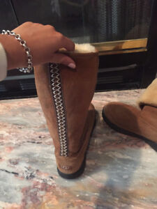 """Beautiful """"Ultimate Tall"""" Uggs size 9 perfect condition"""