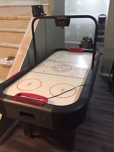Digital Air Hockey Table