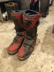 Size 5 Thor Dirt Bike Boots!!