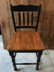 Great Condition Solid Wood Kitchen Table Kingston Kingston Area image 1