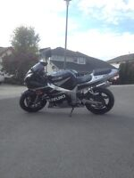 MINT 2003 Gsxr 600 $3200 OBO With aftermarket Hindle exhaust