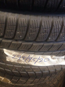 Excellent Condition Winter Tires 275/45/20