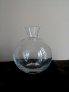 Round Clear Glass Vase : Small Short Neck : New