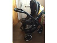 GRACO EVO XT TRAVEL SYSTEM & CARRYCOT