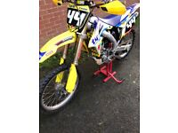 2010 RMZ 250 motocross bike