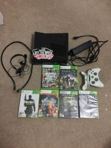Xbox 360- Games, Mic and Controller