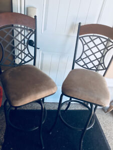 Swivel chairs-excellent condition