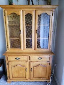 Maple China Cabinet/Hutch