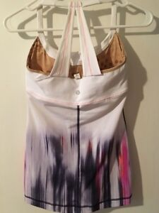 Lululemon Tops - Excellent Condition - sizes 4 & 6 Kitchener / Waterloo Kitchener Area image 5