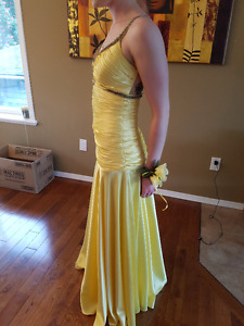 Female prom dress size 4