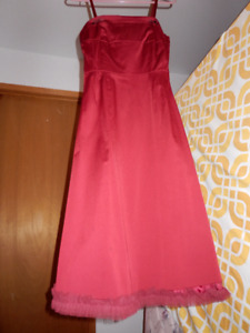 Robe rouge grandeur small