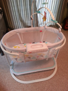 Bassinet - Fisher Price