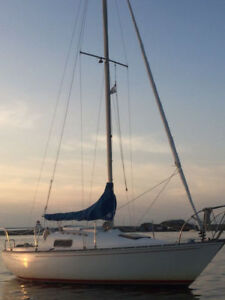 Mirage 24 in Great Condition! Ready to Sail! 9.9HP Mercury incl