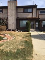 Parkvale Townhouse No Condo Fees Open House sat.2-4 Sun 1-3