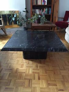 Table de salon imitation marbre noir Marble imitation table
