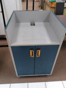 CASHIER REGISTER POINT OF SALE ROLLING CART WITH SHELVES & DOORS