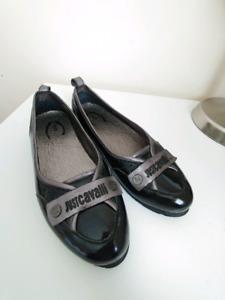 Just Cavalli Black Patent Leather Flat Shoe. Size: 38/8US