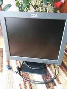 "IBM ThinkVision L170 17"" Flat Panel LCD Monitor(6734-AC0)"