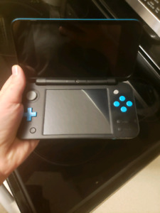 nintendo 2DS XL modified with 3DS games
